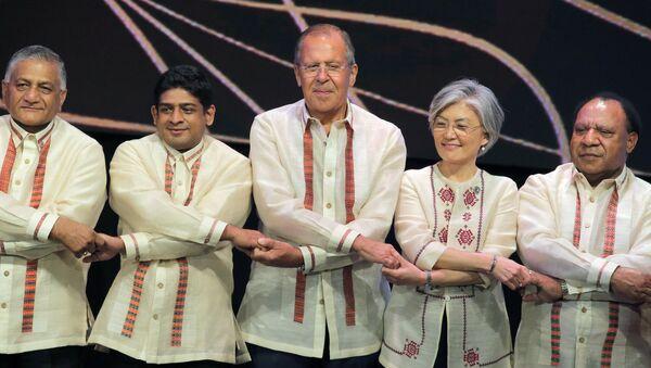 Diplomacia colorista: los atuendos tradicionales de las cumbres de la ASEAN - Sputnik Mundo