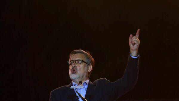 Alejandro Guillier, candidato oficialista chileno - Sputnik Mundo