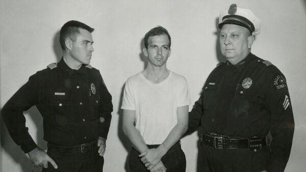 Lee Harvey Oswald, el supuesto asesino de Kennedy - Sputnik Mundo