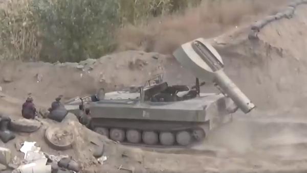 El misterioso 'tanque lanzapuentes' sirio resultó ser un híbrido (vídeo) - Sputnik Mundo