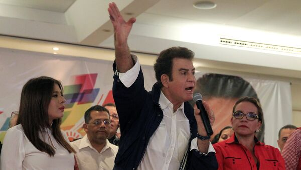 Salvador Nasralla, el candidato presidencial hondureño por el partido Alianza de la Oposición (archivo) - Sputnik Mundo