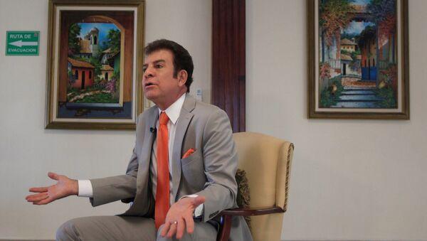 Salvador Nasralla, el candidato a la presidencia de Honduras - Sputnik Mundo