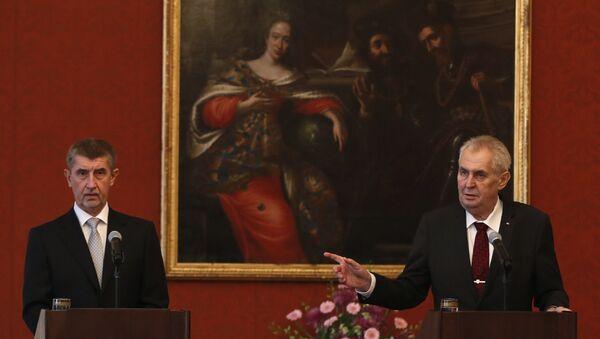 El presidente checo, Milos Zeman y el nuevo primer ministro de la República Checa, Andrej Babis - Sputnik Mundo