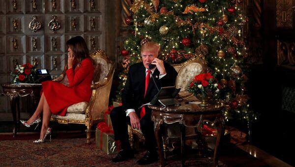 El presidente de EEUU, Donald Trump y su esposa, Melania Trump - Sputnik Mundo