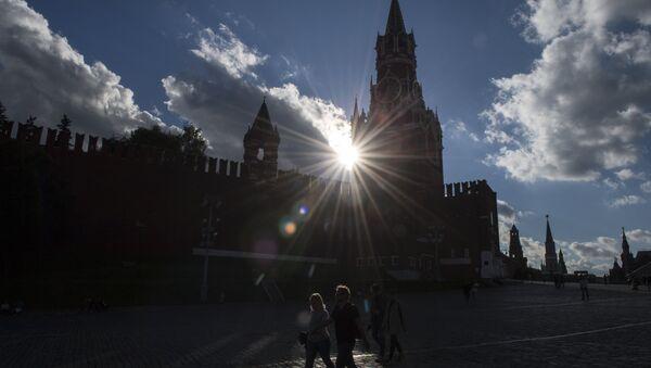 La gente en la Plaza Roja - Sputnik Mundo