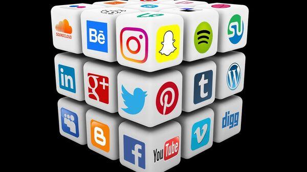 Logos de diferentes redes sociales - Sputnik Mundo