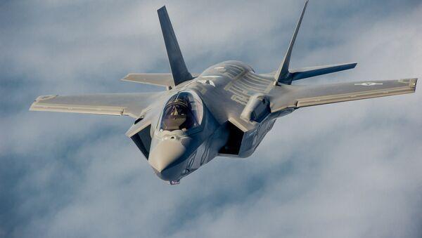 Un caza de quinta generación estadounidense F-35A - Sputnik Mundo