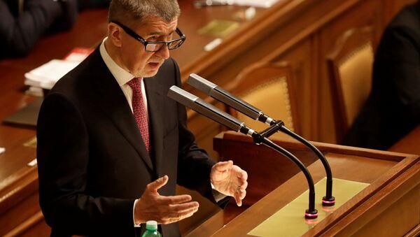 Andrej Babis, el primer ministro checo durante una sesión parlamentaria - Sputnik Mundo