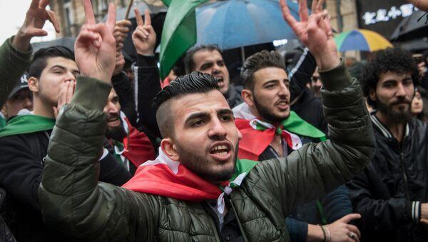Manifestación de protesta en Fráncfort del Meno - Sputnik Mundo