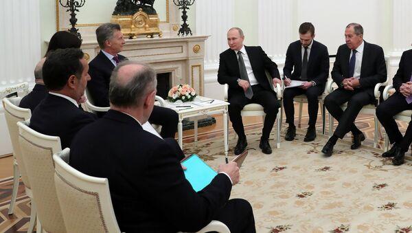 La reunión entre Vladimir Putin, el presidente de Rusia y Mauricio Macri, el presidente de Argentina, Moscú, Rusia - Sputnik Mundo