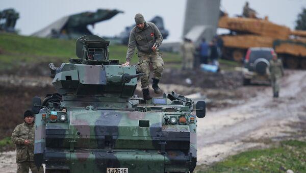 Ejército turco en la frontera con Siria - Sputnik Mundo