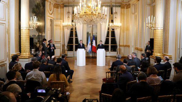 Presidente de Argentina, Mauricio Macri, y presidente de Francia, Emmanuel Macron - Sputnik Mundo