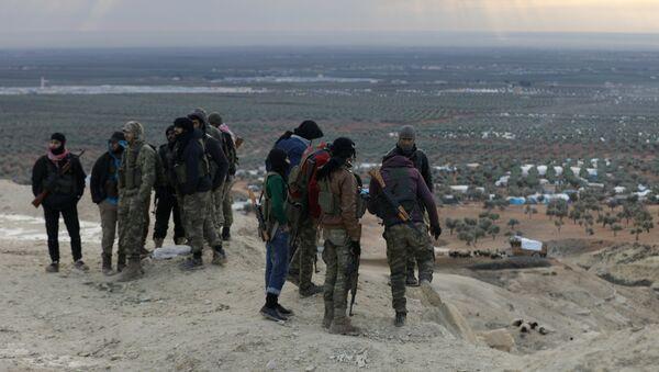 Soldados del Ejército Libre Sirio en la montaña de Barsaya en el noreste de Afrín (imagen referencial) - Sputnik Mundo