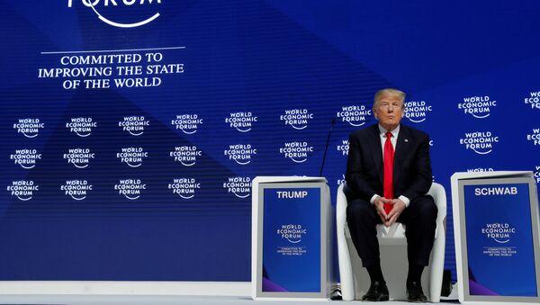 El presidente de Estados Unidos, Donald Trump, asiste a la reunión anual del Foro Económico Mundial en Davos - Sputnik Mundo