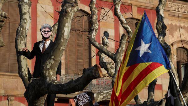 Manifestación para exigir la investidura del líder soberanista catalán, Carles Puigdemont (archivo) - Sputnik Mundo