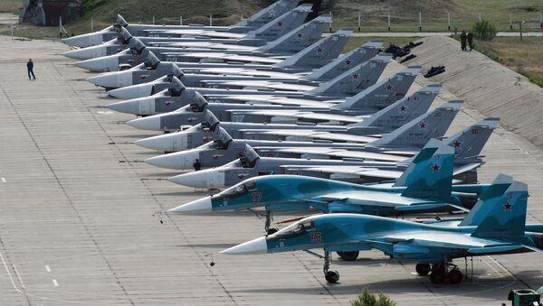 Cazas rusos en el aeródromo de Belbek, en Sebastopol - Sputnik Mundo