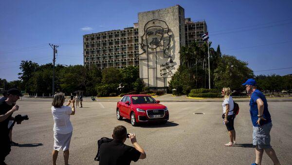Turistas en la Plaza de la Revolución - Sputnik Mundo