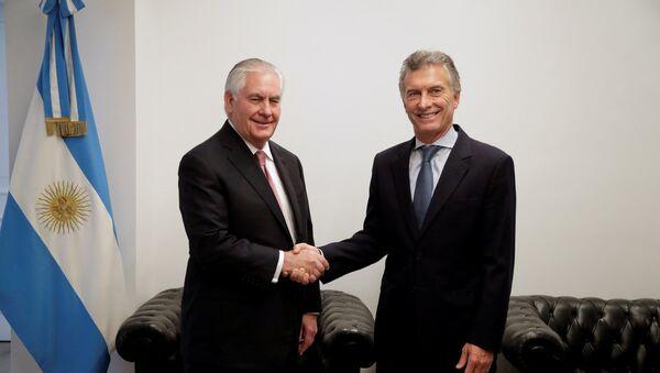 El secretario de Estado de EEUU, Rex Tillerson, y el presidente de Argentina, Mauricio Macri - Sputnik Mundo