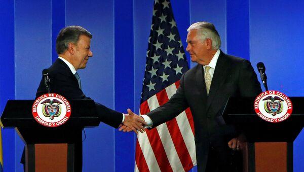Presidente de Colombia, Juan Manuel Santos, y secretario de Estado de EEUU, Rex Tillerson - Sputnik Mundo