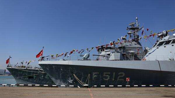 Un buque de guerra de Turquía - Sputnik Mundo