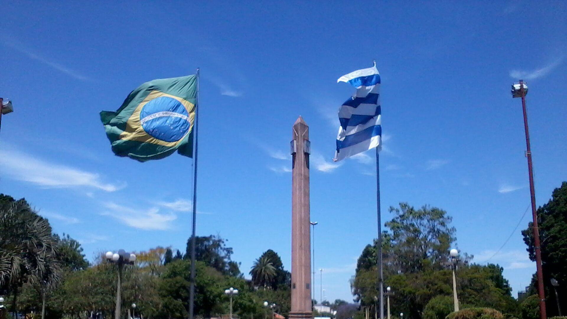 Frontera de la Paz entre Uruguay y Brasil, plaza internacional de Rivera-Santana do Livramento. - Sputnik Mundo, 1920, 09.03.2021