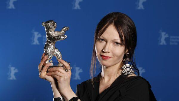 Elena Okopnaia, diseñadora de vestuario - Sputnik Mundo