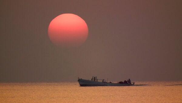 Un barco pesquero (imagen referencial) - Sputnik Mundo