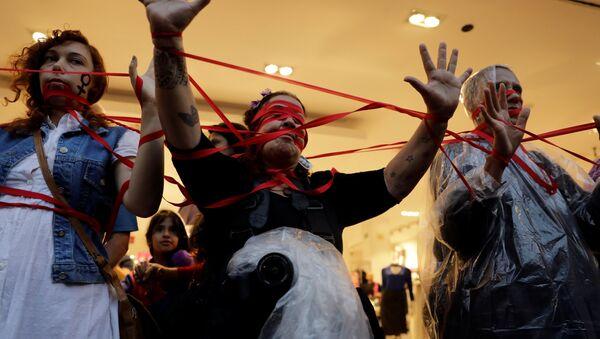 Manifestación de las mujeres en Brasil - Sputnik Mundo