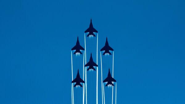 Rápidos y letales: los aviones militares más veloces de Rusia - Sputnik Mundo
