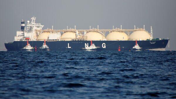 Un buque cisterna del gas natural licuado, imagen de archivo - Sputnik Mundo