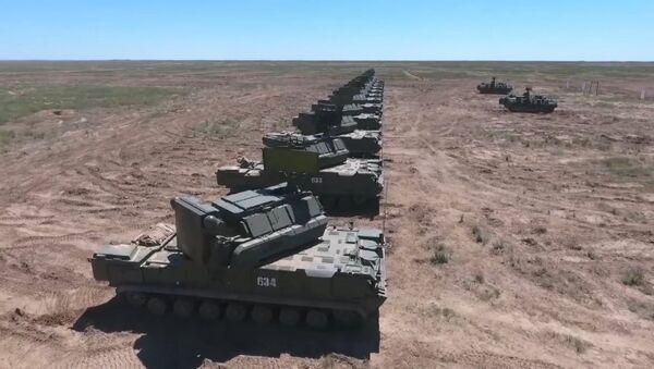 La defensa antiaérea de Rusia derriba misiles de crucero exitosamente - Sputnik Mundo