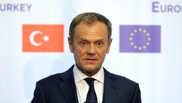 El presidente del Consejo Europeo, Donald Tusk, asiste a una conferencia de prensa en Bulgaria - Sputnik Mundo