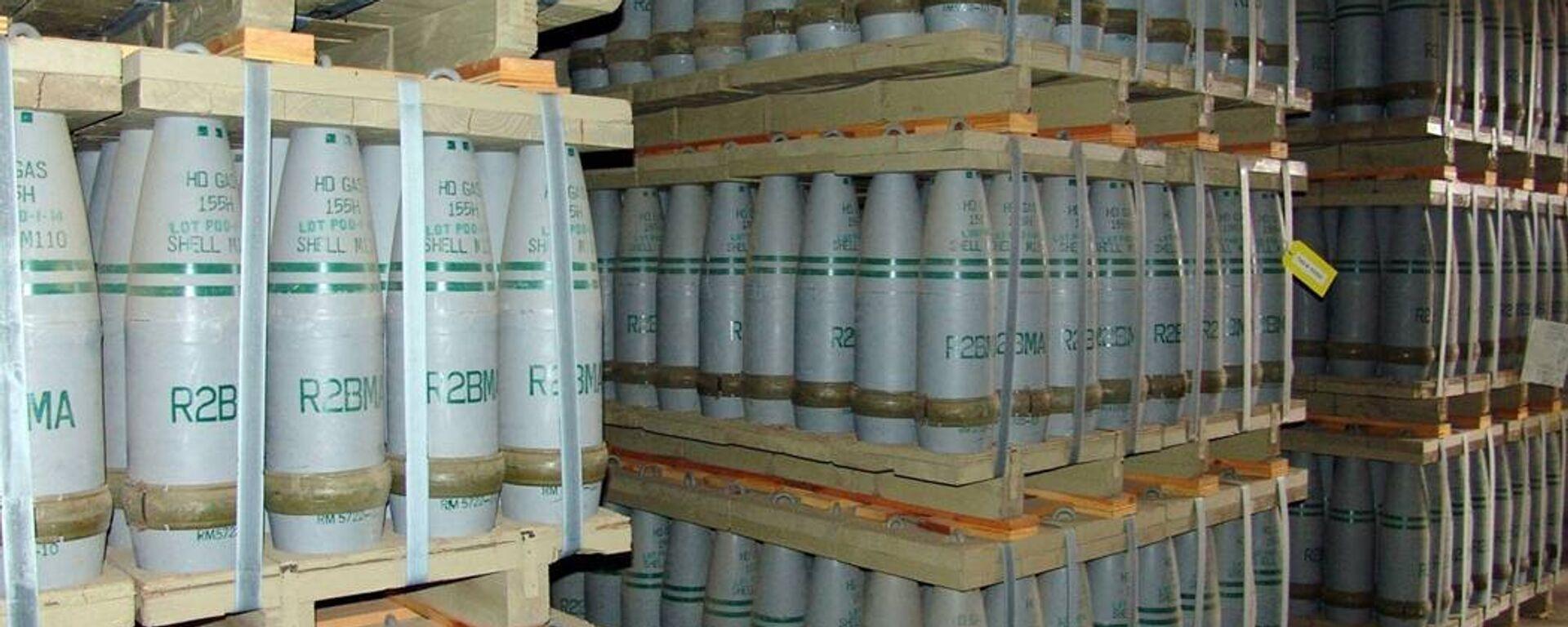 Municiones de gas mostaza, también conocidos como iperita, en el almacén de armas químicas de Pueblo, EEUU (archivo) - Sputnik Mundo, 1920, 06.10.2021