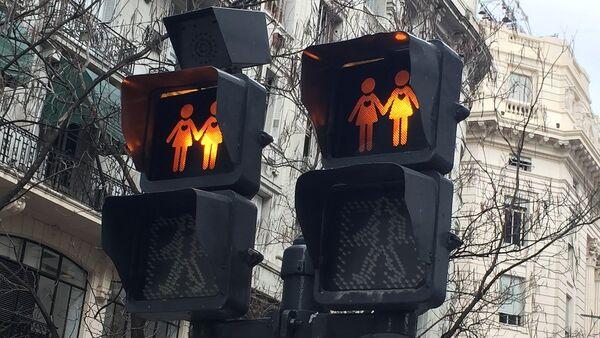 Un semáforo gay, imagen referencial - Sputnik Mundo