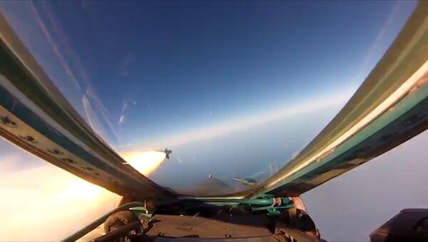 El MiG-31BM y el Su-27 muestran de lo que son capaces en un ensayo militar - Sputnik Mundo