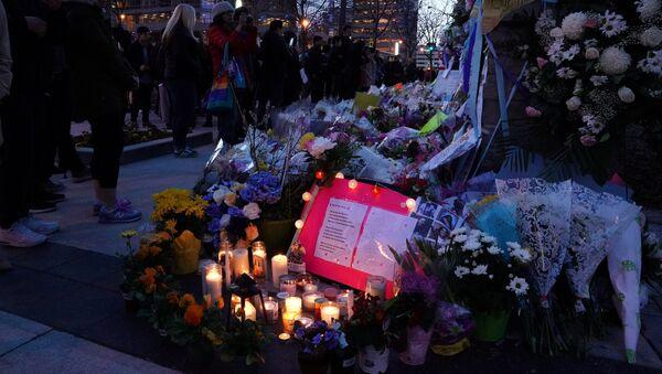 Memorial en Toronto por las víctimas del atropello - Sputnik Mundo