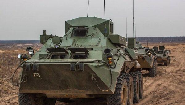 El entrenamiento militar en el polígono de Gorojovetski - Sputnik Mundo