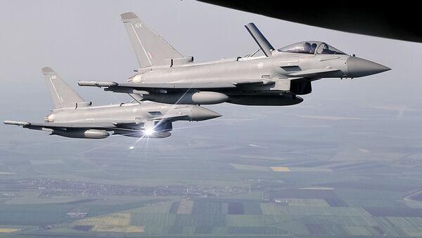 Cazas británicos Typhoon en Rumanía - Sputnik Mundo