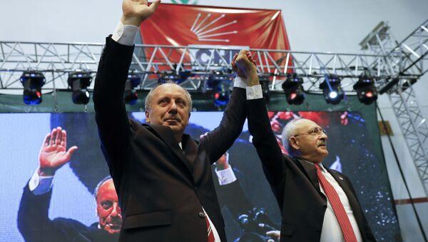 Muharrem Ince (izquierda), candidato presidencial turco - Sputnik Mundo