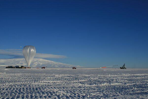 El lanzamiento de ANITA con la ayuda de un aeróstato - Sputnik Mundo