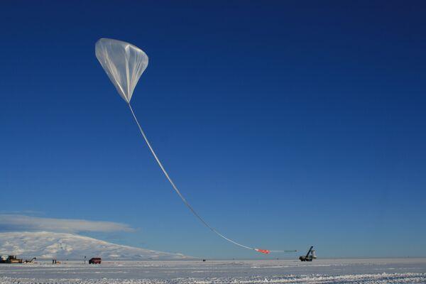 El lanzamiento de ANITA (durante las noches blancas de la Antártida) - Sputnik Mundo