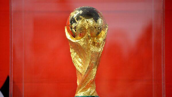 El trofeo del Mundial de fútbol (archivo) - Sputnik Mundo