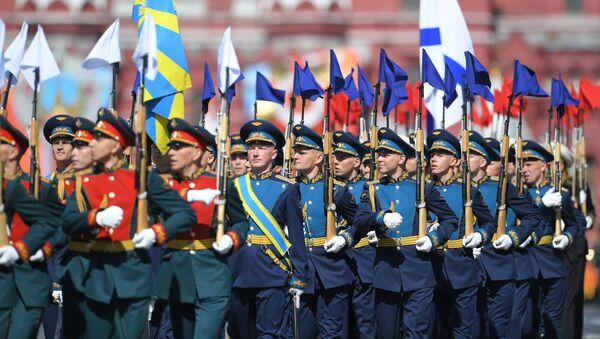 Militares del Ejército del Aire durate el Desfile del Día de la Victoria en la Plaza Roja, Moscú, Rusia - Sputnik Mundo