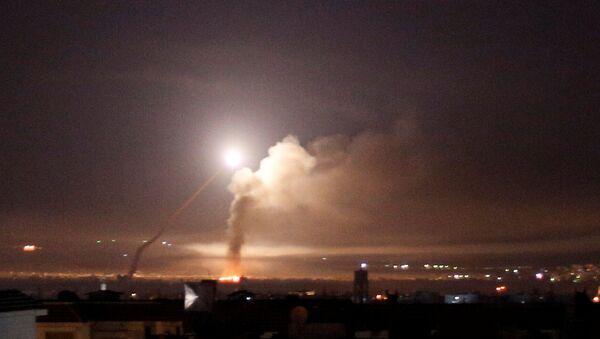Lanzamiento de un misil, Siria - Sputnik Mundo