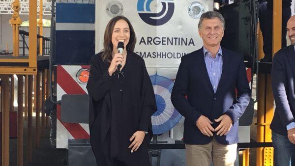 El presidente Mauricio Macri junto a Eugenia Vidal, gobernadora de la provincia en Buenos Aires en la reinauguración del taller ferroviario Mechita - Sputnik Mundo
