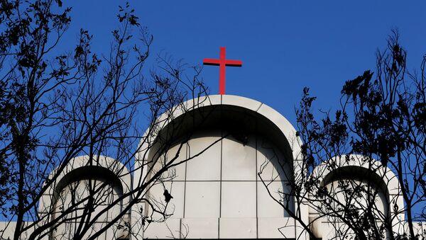 Una de las iglesias atacadas por los terroristas en Indonesia - Sputnik Mundo