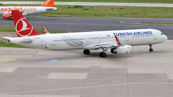 Un A321 de Turkish Airlines - Sputnik Mundo