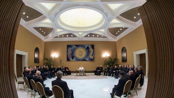 El papa Francisco se reúne con obispos chilenos - Sputnik Mundo