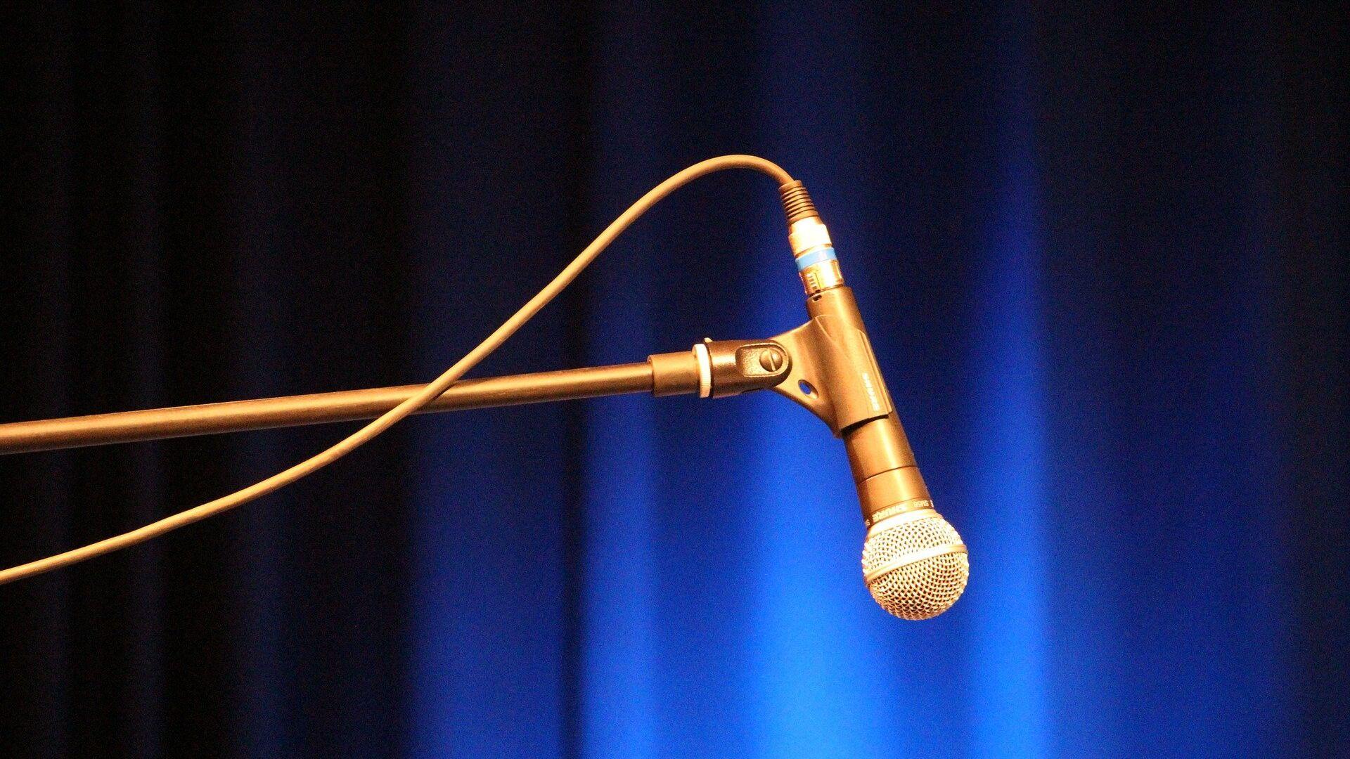 Un micrófono (imagen referencial) - Sputnik Mundo, 1920, 16.09.2021