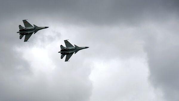 Los Su-30 de las Fuerzas Aéreas de Kazajistán - Sputnik Mundo